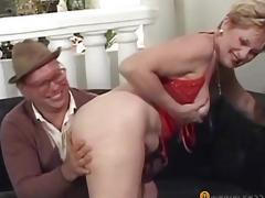 A boy climbs fingers in her hirsute vagina