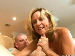 Wife cheating on her hubby with pleasure
