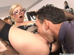 Office slut Donna Bell receives rammed