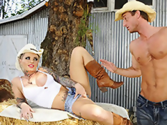 Cowgirl MILF Christy Mack Fondle Her Pussy